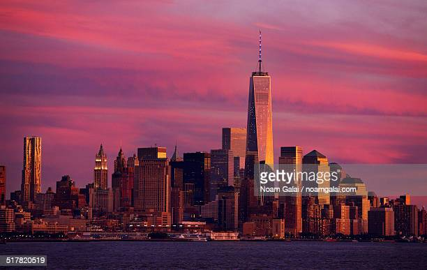 downtown new york city at sunset - noam galai stock pictures, royalty-free photos & images