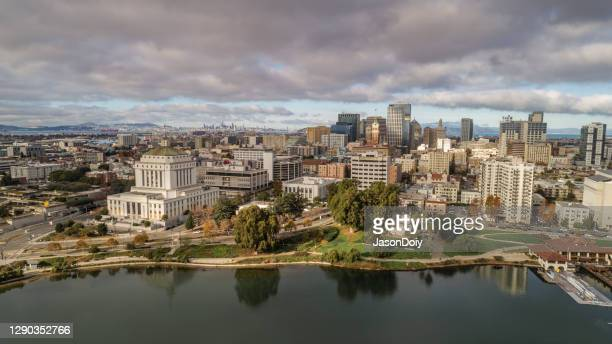 downtown oakland and lake merritt - east bay regional park stock pictures, royalty-free photos & images