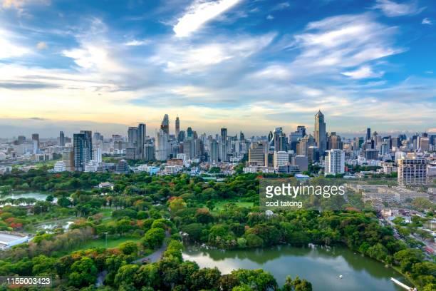downtown park ,bangko,thailand - bangkok fotografías e imágenes de stock