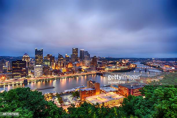 downtown pittsburgh, pennsylvania - pennsylvania stock pictures, royalty-free photos & images