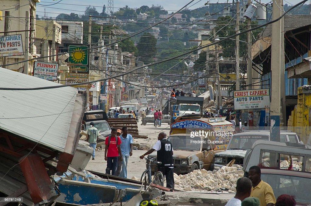 Major Earthquake Devastates Haitian Capital : ニュース写真