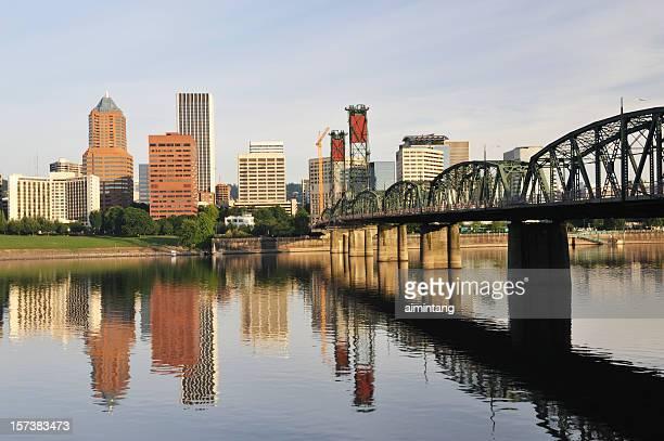 Der Innenstadt von Portland und der Hawthorne-Brücke