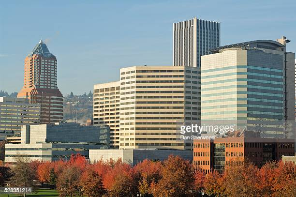 downtown, portland, oregon, usa - dan sherwood photography stock pictures, royalty-free photos & images