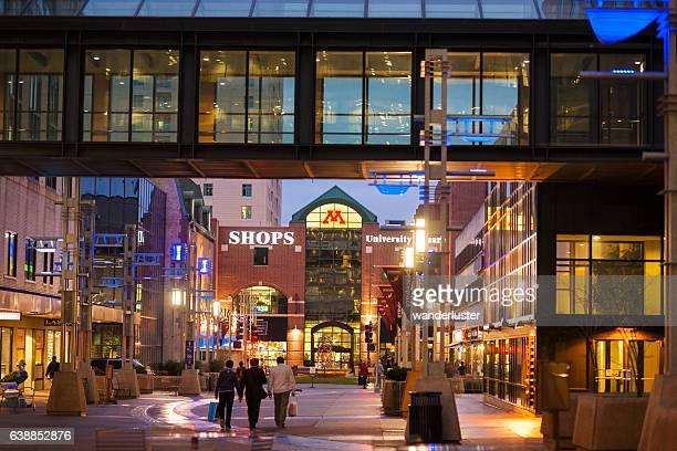 downtown rochester - minnesota - fotografias e filmes do acervo