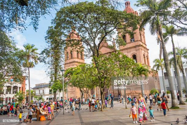 centro de la ciudad de santa cruz de la sierra bolivia - bolivia fotografías e imágenes de stock