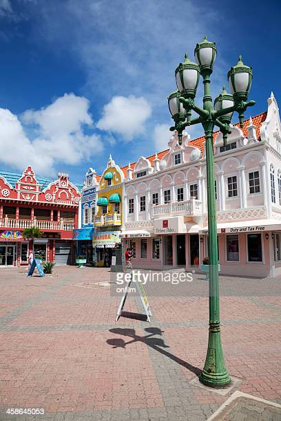 downtown shopping piazza - oranjestad stockfoto's en -beelden