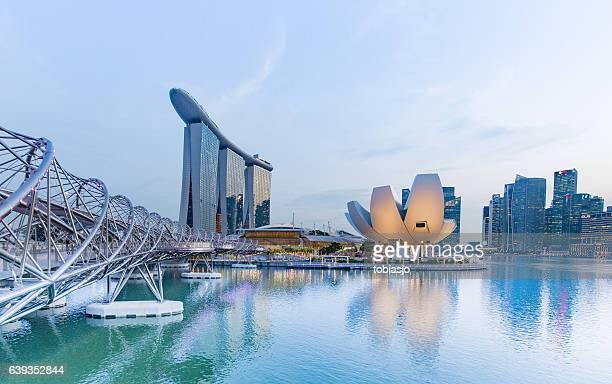 innenstadt von singapur  - republik singapur stock-fotos und bilder
