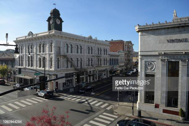 downtown street and bank buildings at petaluma, california, usa - sonoma county stock pictures, royalty-free photos & images