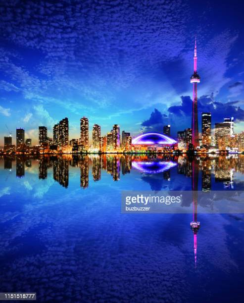 downtown toronto city at sunset with water reflections - buzbuzzer stock pictures, royalty-free photos & images