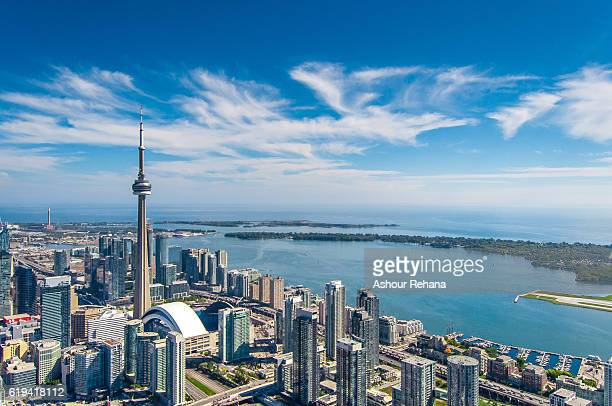 downtown toronto cityscape - cn tower stock pictures, royalty-free photos & images