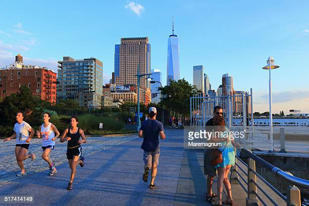 downtown view with the freedom tower - river hudson stock pictures, royalty-free photos & images