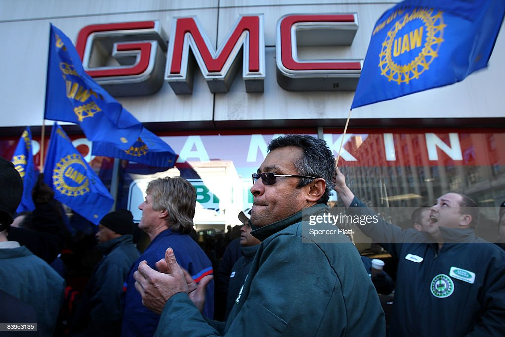 Auto Dealership Workers Ask Congress For Loans To Automakers : News Photo