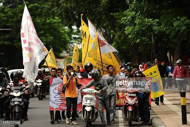 Dozens of students members of the People Fighting Front rallies reject the fuel price hike. Indonesia government plans to raise fuel prices on June...