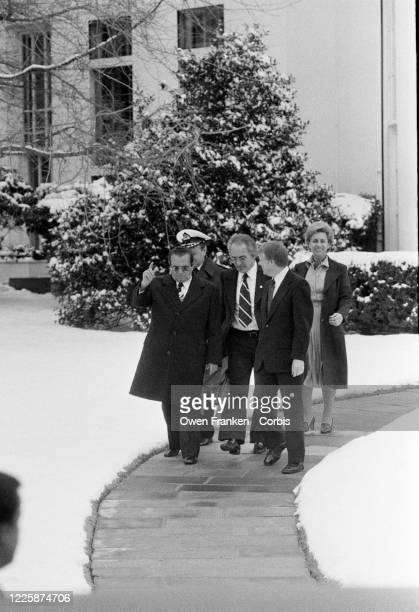 Départ de la maison blanche pour le Maréchal Tito après son séjour à Washington aux ÉtatsUnis