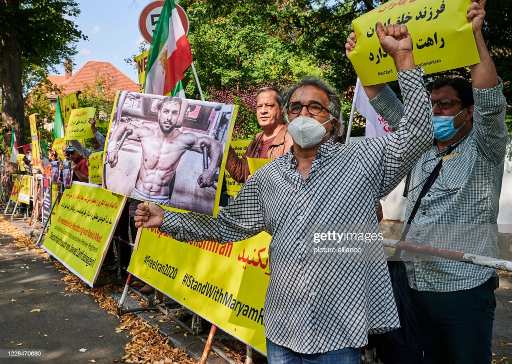 Demonstration against execution of wrestler Afkari in Iran : News Photo