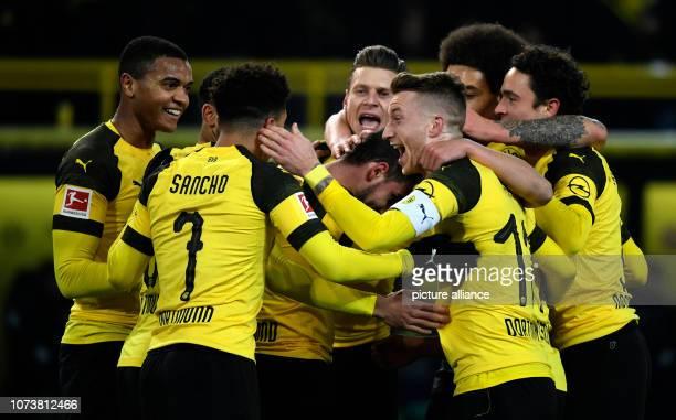 dpatop 15 December 2018 North RhineWestphalia Dortmund Soccer Bundesliga Borussia Dortmund Werder Bremen 15th matchday at Signal Iduna Park Paco...