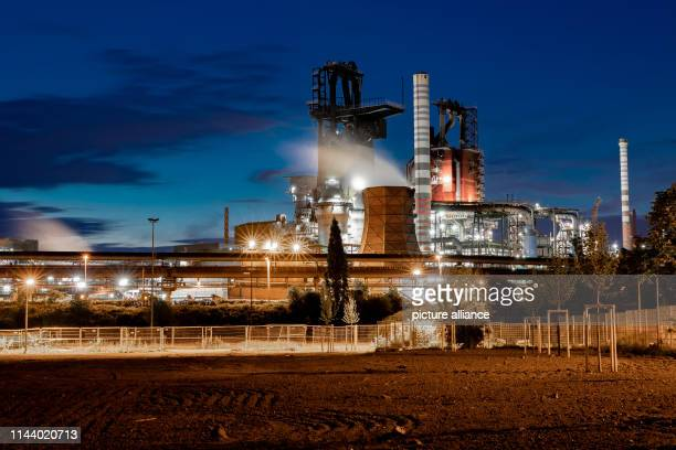 dpatop 15 May 2019 North RhineWestphalia Duisburg Blast furnaces 9 and 8 from ThyssenKrupp The steel and industrial group Thyssenkrupp is feeling the...