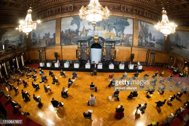 """Dpatop - 22 April 2020, Hamburg: Peter Tschentscher , First Mayor of Hamburg, speaks at a government declaration on the topic """"Current Coronalage -..."""