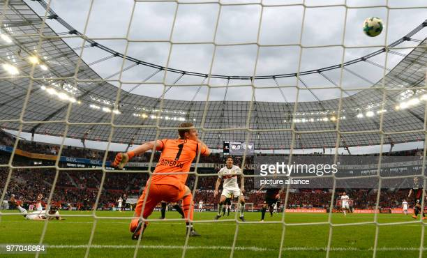 dpatop 28 April 2018 Germany Leverkusen Soccer Bundesliga Bayer Leverkusen vs VfB Stuttgart in the BayArena Leverkusen's goalkeeper Bernd Leno can...