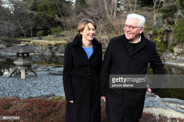 dpatop GermanPresident FrankWalter Steinmeier and his wife Elke Buedenbender visit The East Gardens of the Imperial Palace in Tokyo Japan 06...