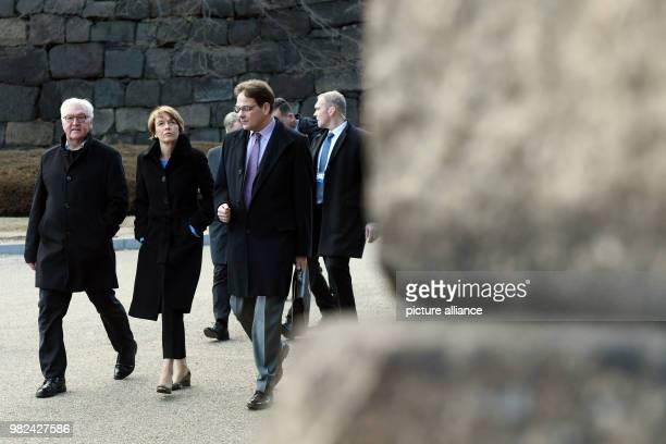 dpatop GermanPresident FrankWalter Steinmeier his wife Elke Buedenbender and Sophia University professor Sven Saaler visit The East Gardens of the...