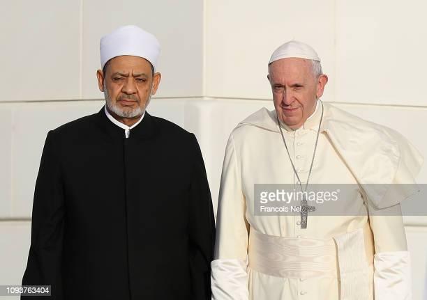 Dr Ahmad elTayeb Grand Imam of Al Azhar Al Sharif and Pope Francis visit Sheikh Zayed Mosque on February 4 2019 in Abu Dhabi United Arab Emirates...