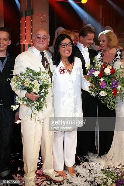 """Dr. Alfred Biolek, Nana Mouskouri, ARD-Gala-Show """"Danke, Bio"""" , E-Werk, Köln, Nordrhein-Westfalen, Deutschland, Europa, Geburtstagsshow,..."""