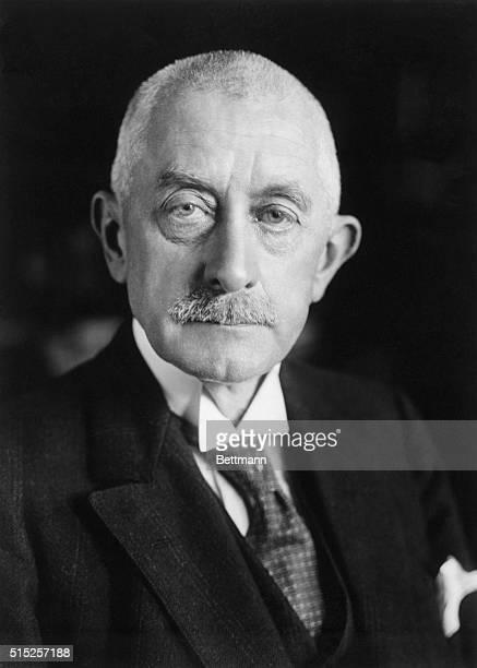 Dr Alfred Wegener is the Rector of the Handel School