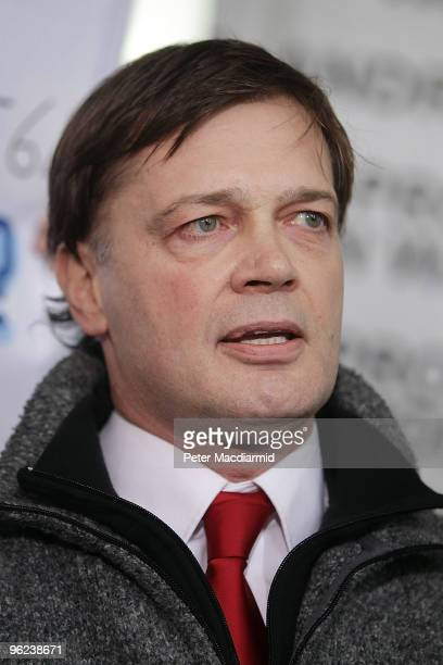 Dr Andrew Wakefield talks to reporters outside the General Medical Council on January 28 2010 in London England Dr Wakefield was the first clinician...