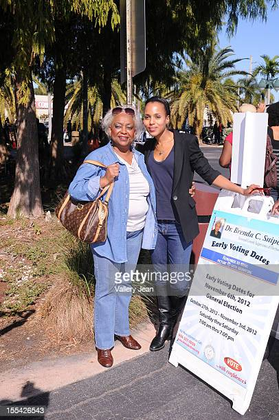"""Dr. Brenda Snipes and Kerry Washingtonparticipates in OFA-""""Its On You"""" Early Vote event on November 3, 2012 in Fort Lauderdale, Florida."""