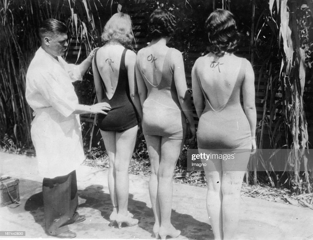 Dr. Charles H. Wood at the competition MOST PERFECT BACK. Los Angeles. About 1931. Photograph. (Photo by Imagno/Getty Images) Dr. Charles H. Wood beim Wettbewerb DER SCHÖNSTE RÜCKEN. Los Angeles. Um 1931. Photographie.