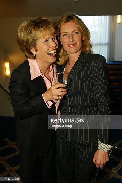 Dr Christa Maar Und Dr Maria Furtwängler Bei Abschlussgala Der Initiative Darmkrebsfrüherkennung In München Am 300402