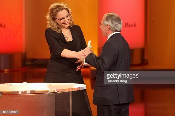 Dr Claudia Kemfert Und Preisträger Nicholas Stern Bei Der Verleihung Des Corine Internationaler Buchpreis Im Prinzregententheater In München