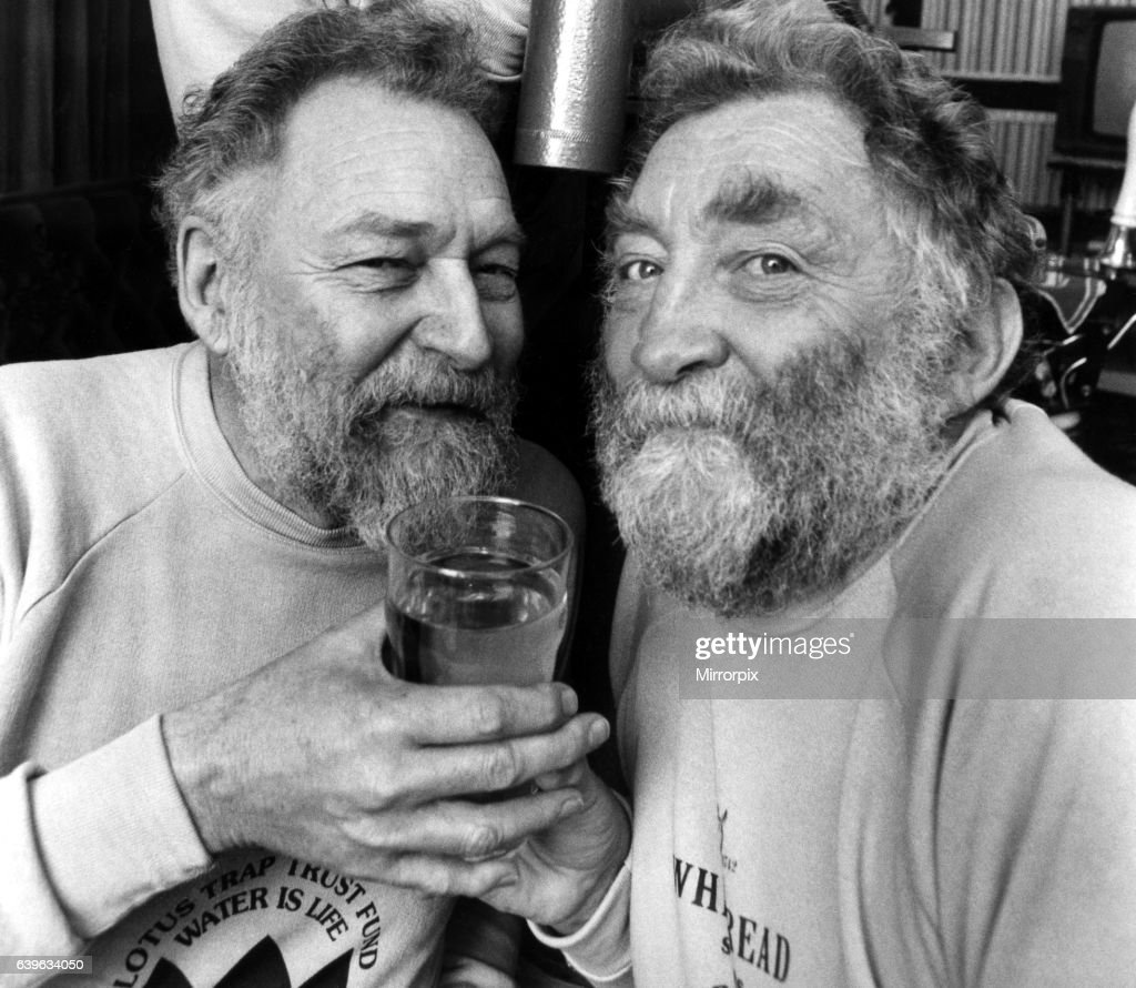 Dr David Bellamy (right) with his brother Gervaise on 29th March 1989 : News Photo