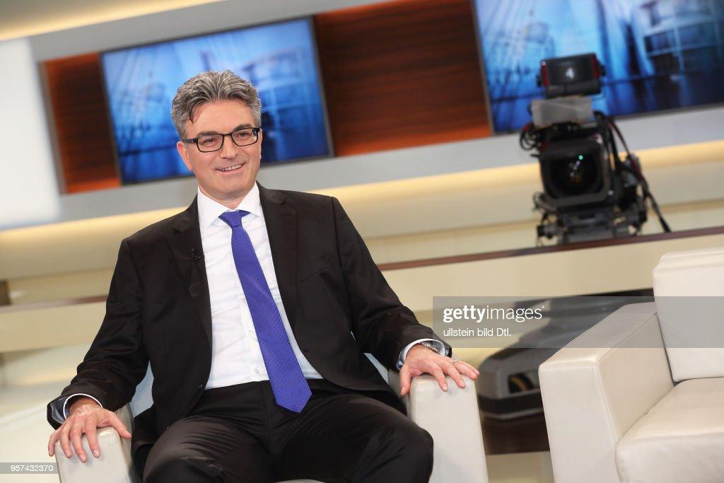 low price casual shoes sale online Dr. Dieter Salomon in der ARD-Talkshow ANNE WILL am in ...