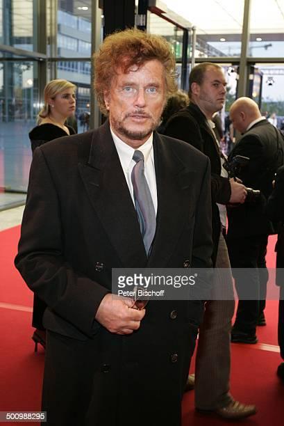 Dr Dieter Wedel ZDFGala Deutscher Fernsehpreis Köln Coloneum roter Teppich P r e i s v e r l e i h u n g Foyer Anzug Schlips Produzent Regisseur...