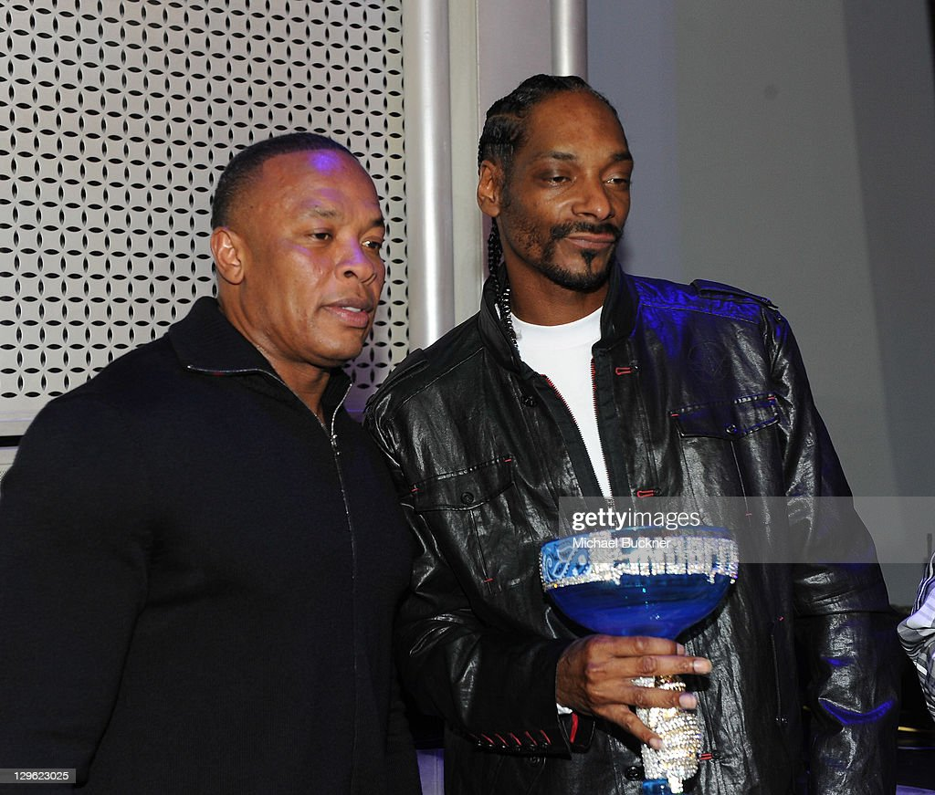 Snoop's 40th Birthday Party At The Rolling Stone Lounge : News Photo