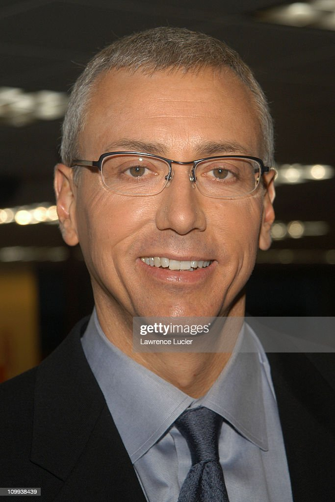 """Dr. Drew Pinksy Signs His New Book """"Cracked"""""""