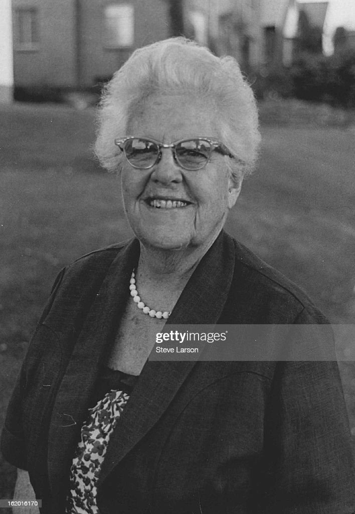 SEP 13 1968, SEP 14 1968; Dr. Edith B. Jackson - For her many years of work as a pediatrician, for w : Nachrichtenfoto
