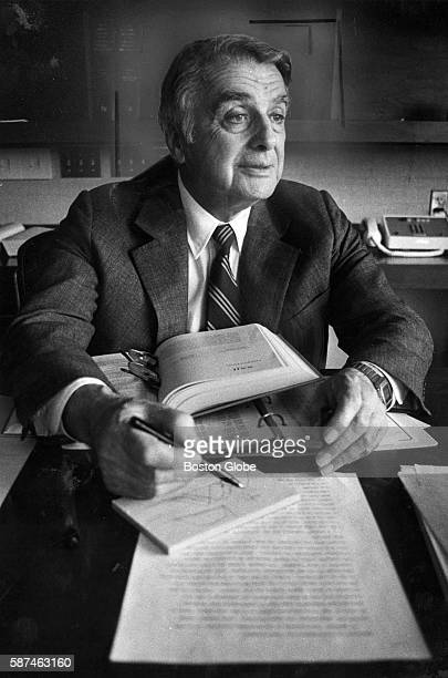 Dr Edwin Land the founder of Polaroid sits at his new desk at his new office at the Rowland Institute in Cambridge Mass on July 30 1982