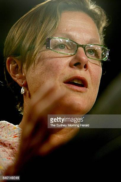 Dr Fiona Wood Australian of the Year speaks at the National Press Club in Canberra 28th September 2005 SMH NEWS Picture by CHRIS LANE