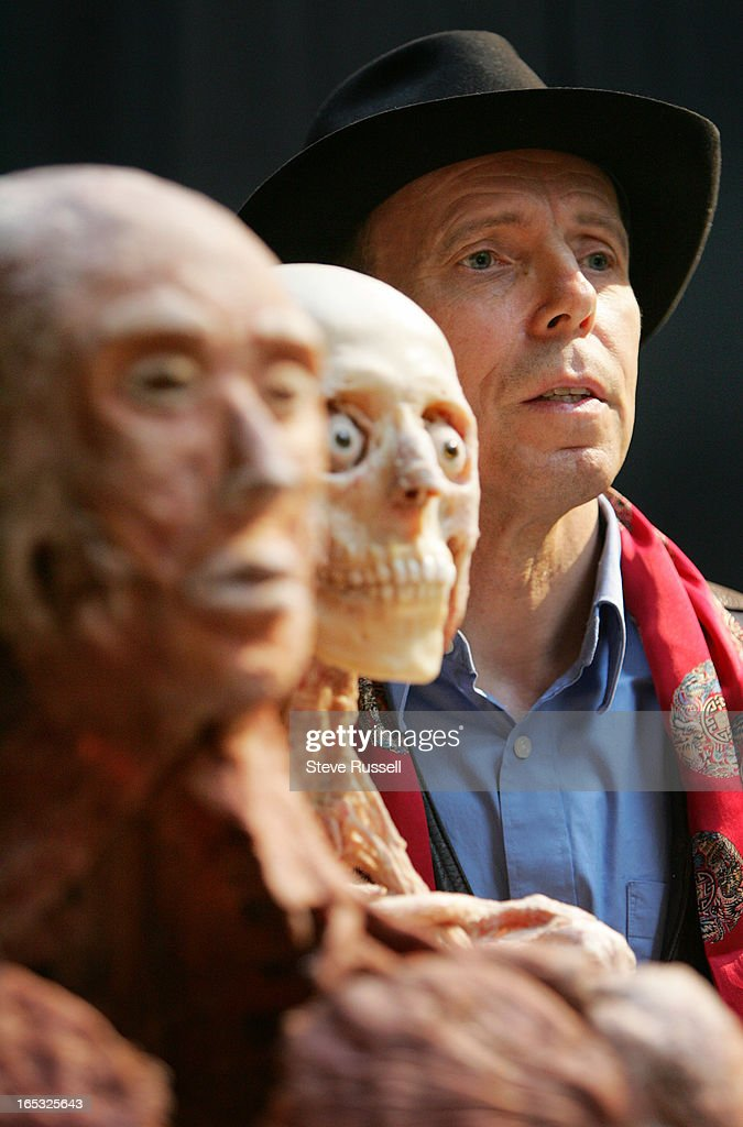BODY WORLD---09/29/05--- Dr. Gunther von Hagens poses with some of ...