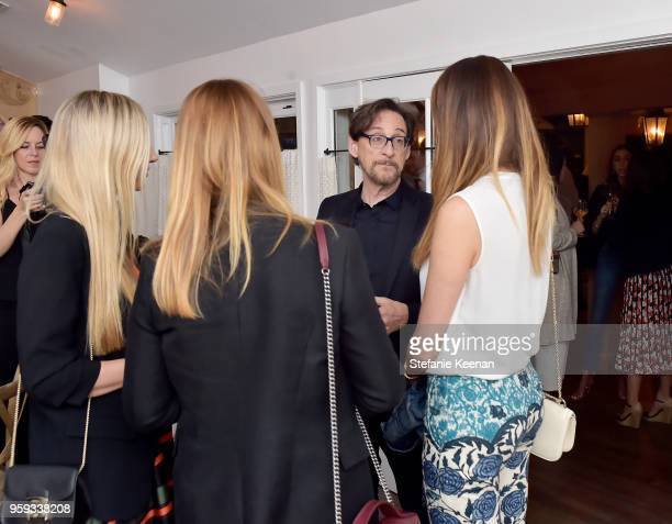 Dr Harvey Karp attends Jessica Biel and Dr Harvey Karp Celebrate Moms Dads and their Favorite Helper the SNOO at Au Fudge Los Angeles on May 16 2018...