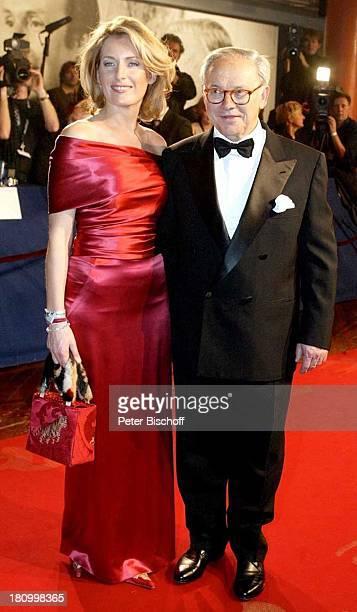 "Dr. Hubert Burda und Ehefrau Maria Furtwängler-Burda, ARD-Gala, ""Bambi 2002"", Preis-Verleihung, ""Estrel""-Hotel, Berlin, Deutschland, Europa, ,..."