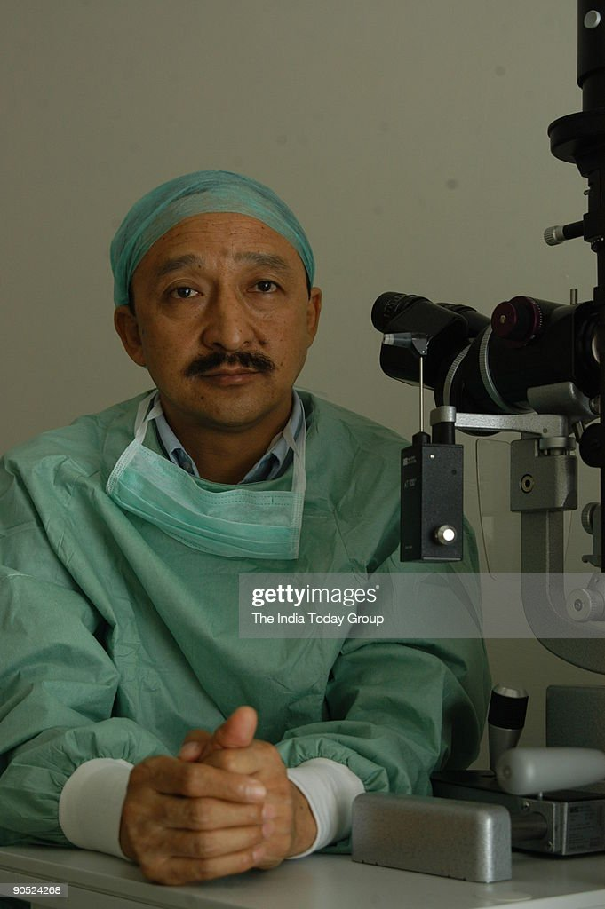 Dr. JS Titiyal, senior ophthalmologist AIIMS, who first performed Intacs procedure for complex corneal problems. : Nachrichtenfoto