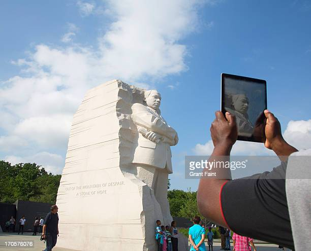 dr. king memorial statue. - racism stock pictures, royalty-free photos & images