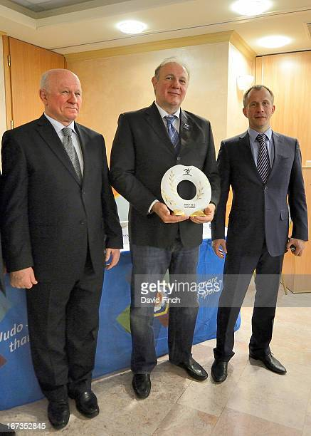 Dr Laszlo Toth President of the Hungarian Judo Federation and Treasurer of the EJU proudly holds the Champions' Prize of a Herend Porcelain medal...
