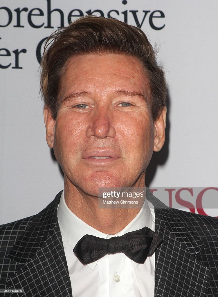 Dr. Lawrence Piro attends the USC Norris Cancer Center Gala at the Beverly Wilshire Four Seasons Hotel on October 10, 2015 in Beverly Hills, California.