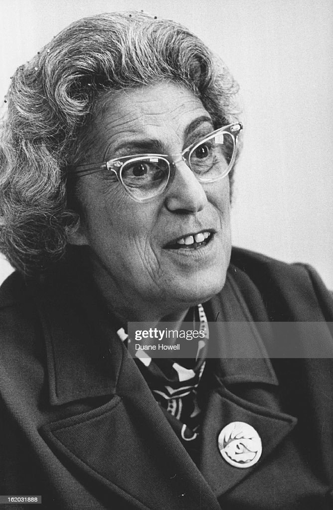 AUG 5 1972, SEP 10 1972; Dr. Margaret Hitchman; Denver Psychiatrist with Integration by Selection Pr : Nachrichtenfoto