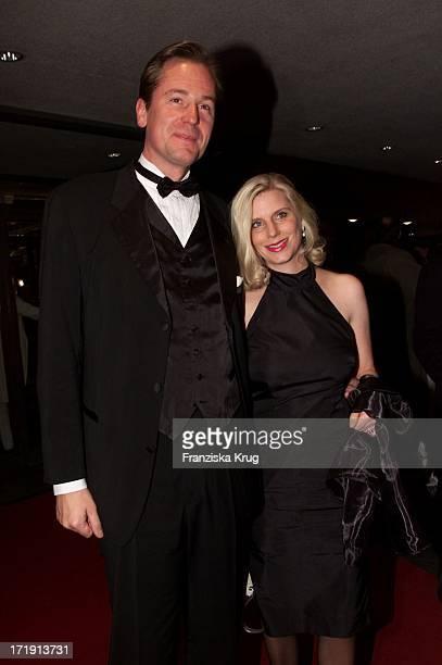 Dr Mathias Döpfner Und Ehefrau Ulrike Bei Der Aidsgala In Berlin
